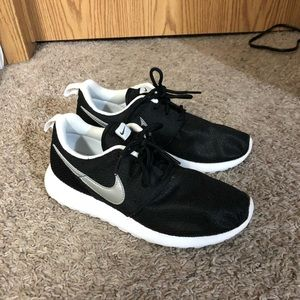 newest 99c9b f7253 Nike Roshe One - Boys' Grade School